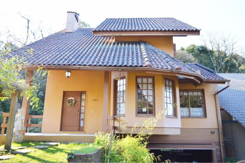 Casa Com 4 Dormitórios À Venda, 297 M² Por R$ 1.170.200,00 - Centro - Gramado/rs - Ca0047