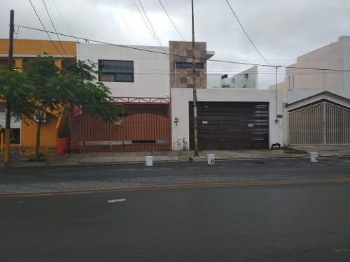 Casa Paseo De San Miguel, Doble Terreno Excelente P/negocio