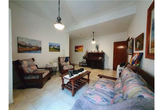 Hermosa Casa 3 Dorm- Impecable!!-alto General Paz
