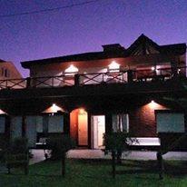 Casa Frente Al Mar 4 Ambientes, 2 Baños, Pileta Y Laguna.