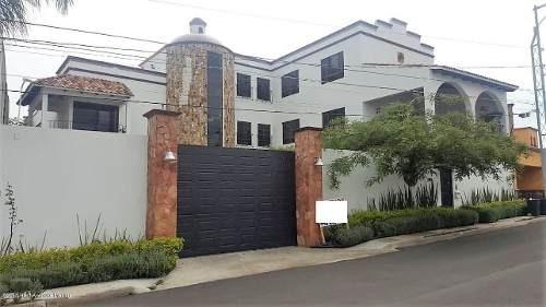 Casa En Venta En Juriquilla, Queretaro, Rah-mx-20-804