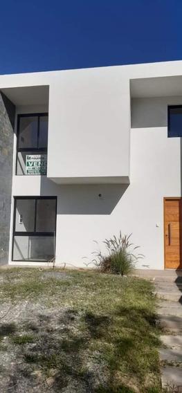 Casa Duplex Con 165 Y 180m2 Cubiertos 2 Y 3 Dorm