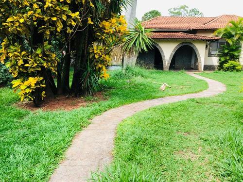 Imagem 1 de 11 de Casa Em Paranavai Com 1710 M2. Otima Localizacao.