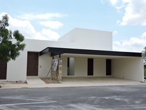 Casa Nueva De Una Planta En Venta En Solasta, Temozón, Mérida Norte