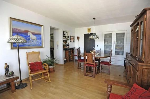 Departamento Venta 2 Dormitorios , 70 Mts 2 Y Cochera- La Plata