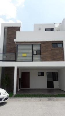 Casa - Fraccionamiento Ex-hacienda Santa Teresa