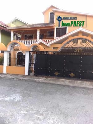 Alquiler, Casa, 4 Habitaciones, 2 Baños