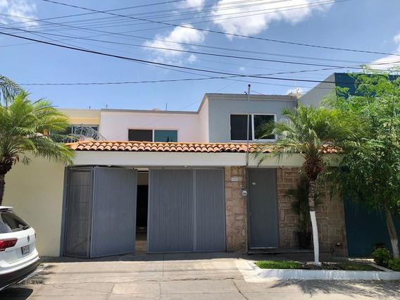 Casa En Venta Zona Chapalita, 4 Recámaras, 3 En Planta Baja.