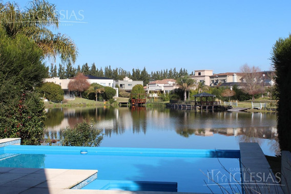 Casa Moderna Con 3 Dormitorios En Alquiler Al Lago En Los Sauces, Nordelta