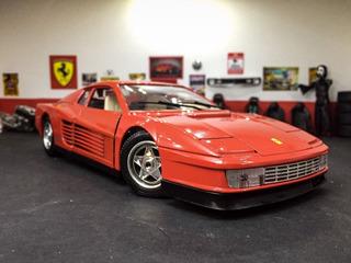 Ferrari Testarossa 84-burago 1/18. En Caja! Impecable!
