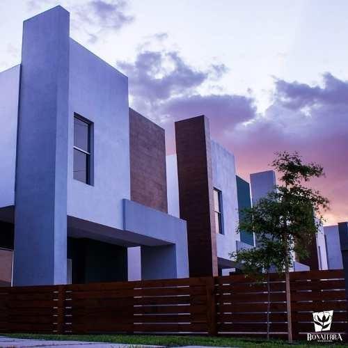 Casa En Venta En Bonaterra Residencial