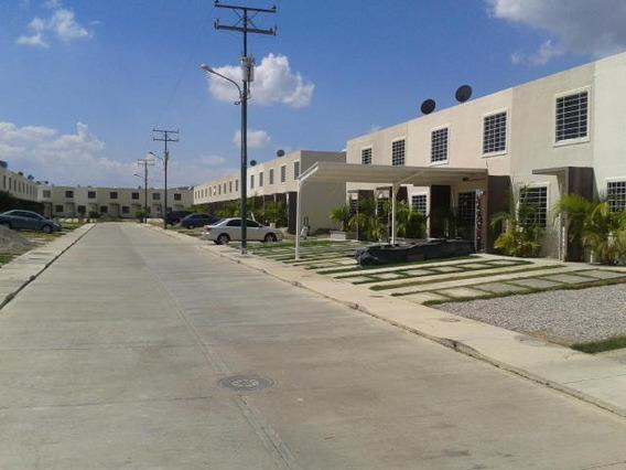 Casa En Venta La Ensenada Barquisimeto Lara 20-21410