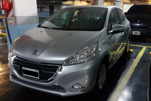 Peugeot 208 1.5 Allure Touchscreen