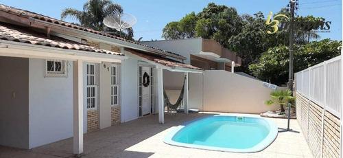 Imagem 1 de 22 de Casa Com 3 Dormitórios Com Piscina À Venda,  Zimbros - Bombinhas/sc - Ca0358
