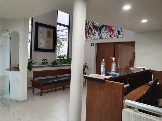 Casa Con Uso De Suelo, En Renta.