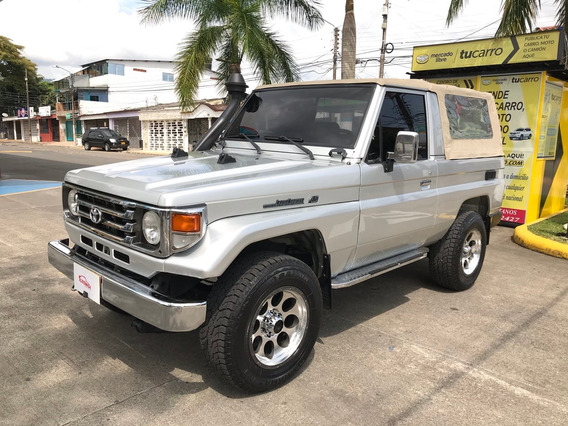 Toyota Land Cruiser 4.5 Gasolina Carpada 2003