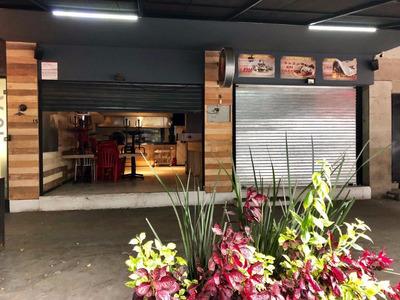 Se Traspasa Local Ubicacion Equipo Completo Para Restaurant