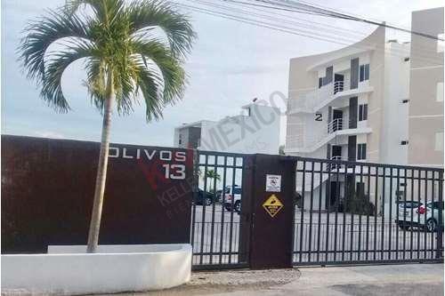 Departamento En Venta Planta Baja Y Amueblado En Zona Entre Villamagna Y Cumbres. Privada Con Seguridad Y Alberca En Cancun
