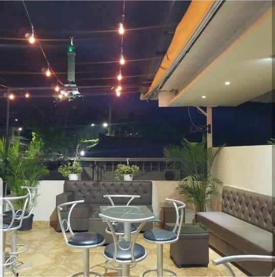 Se Alquila Local Para Bar O Restaurante.