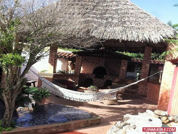 Casa De Playa Con Piscina Amoblada En Playa Copey Carupano