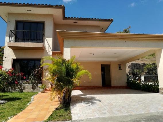 Vendo Casa #18-1322 **hh** En Clayton