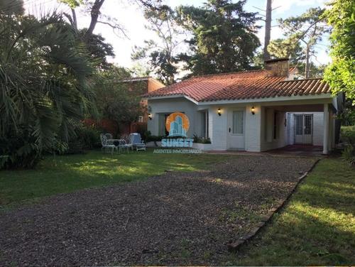 Punta Del Este Hermosa Casa En Zona De La Mansa 3 Dormitorios - Ref: 169