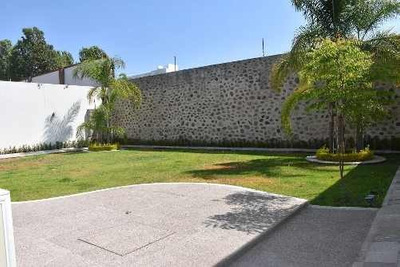 Residencia En Villas Del Mesón Juriquilla, Luxury - 1,000 M2
