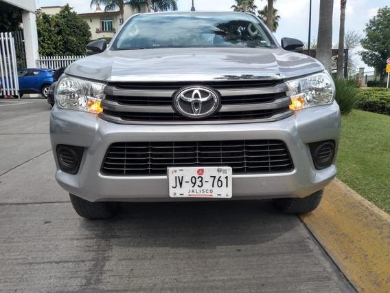 Toyota Hilux D Cab Sr 2018 Comonuevo