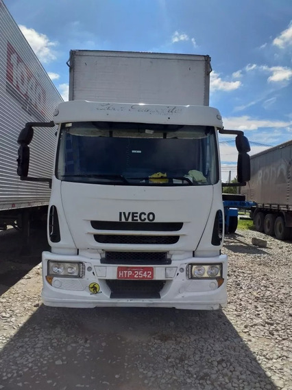 Caminhão Iveco 240e25 Com Baú 2011