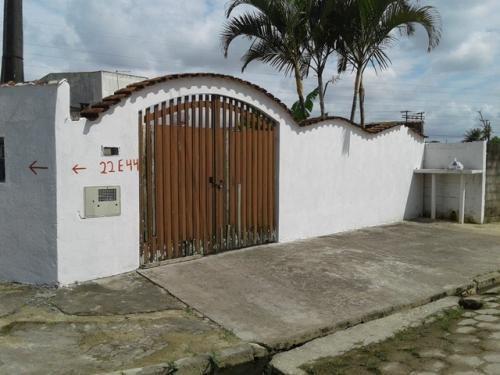 Imagem 1 de 14 de Casa No Bairro Bopiranga Com Churrasqueira Em Itanhaém