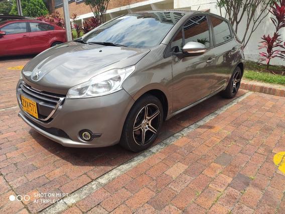 Vendo Hermoso Peugeot 208 5p 2014