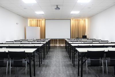 Salas De Capacitación O Conferencias En Miraflores (nuevo)