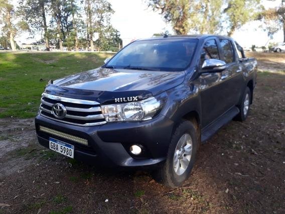 Toyota Hilux 2017 2.7 Srv 4x4 Expectacular!