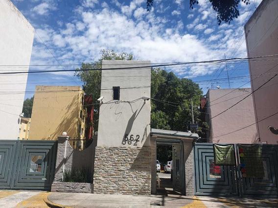 Departamento En Azcapotzalco; 2 Rec, Estudio Cajón Seguridad