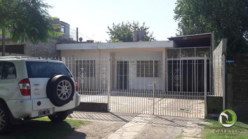 Imagen 1 de 13 de Venta - Hermosa Casa  - Quilmes