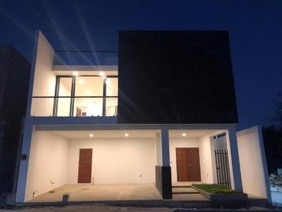 Casa Sola En Venta Fracc Campestre El Arenal