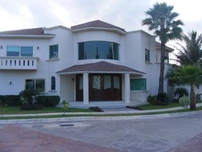 Casa Sola En Residencial Villa Magna, Sicilia