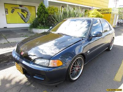 Honda Civic 1.6 Vti Mecánico Sedán