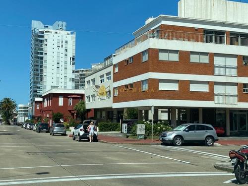 Apartamento De 1 Dormitorio En Plena Peninsula, Buena Oportunidad Cerca Del Puerto Y De La Rambla De La Brava.  - Consulte!!!!!!! - Ref: 2411