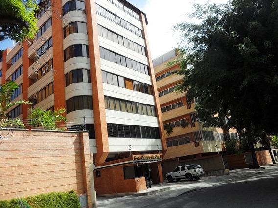 Apartamento En Alquiler En Campo Alegre, Chacao #21-11555 Bc