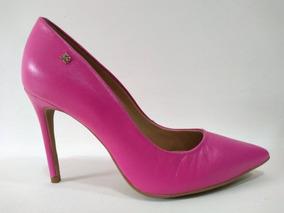 Scarpin Feminino Raphaella Booz Salto Fino Couro Rosa Pink