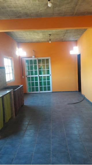 Amplia Casa 2 Dorm Con Garaje 3 C De Shopping Catan