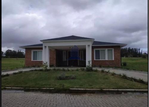 Casa En Venta Barrio Privado,4 Dormitorios - Ref: 715