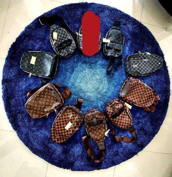 Mariconeras, Pechera Louis Vuitton