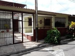 Casa En Venta En Monteserino San Diego 20-9287 Valgo