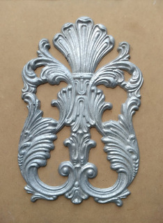 Moldura Decorativo Aluminio Corona Con Alas