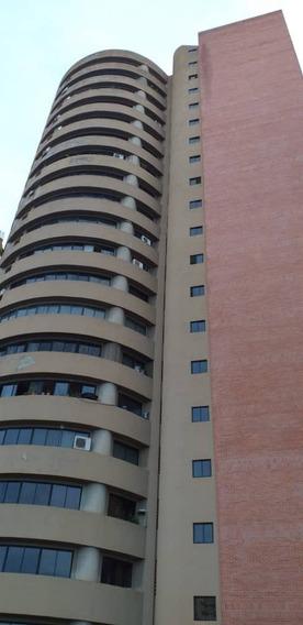 En Venta Apartamento Tipo Estudio En Los Mangos. 66 Mts2