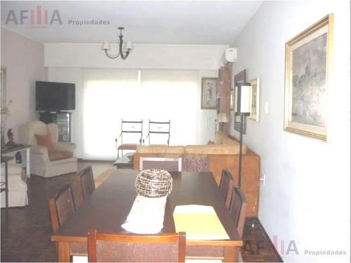 Venta Apartamento Cuatro Dormitorios Terraza Centro Montevideo