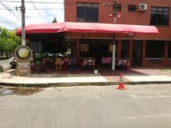 Local Comercial Esquinero Bien Situado