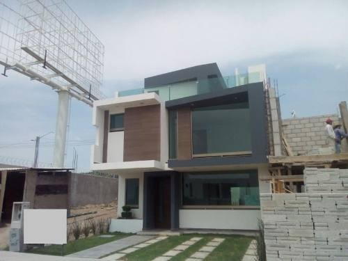 Casa Sola En Venta Fraccionamiento Residencial Terranova $2,800,000